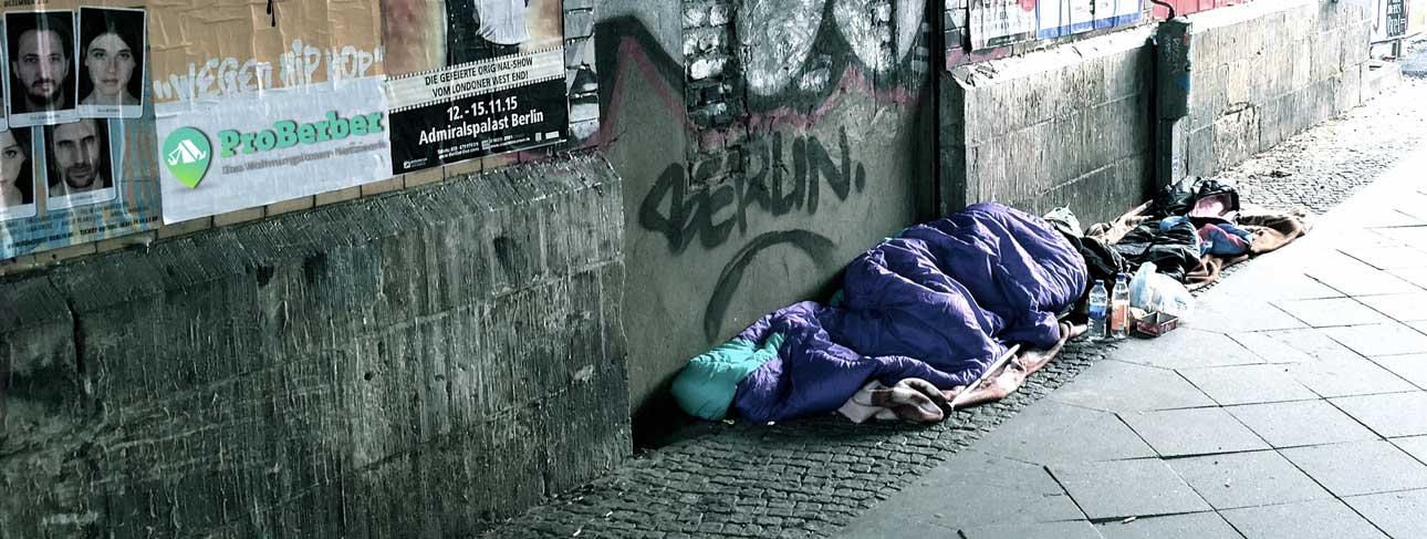 Schlafend_auf_der_Strasse